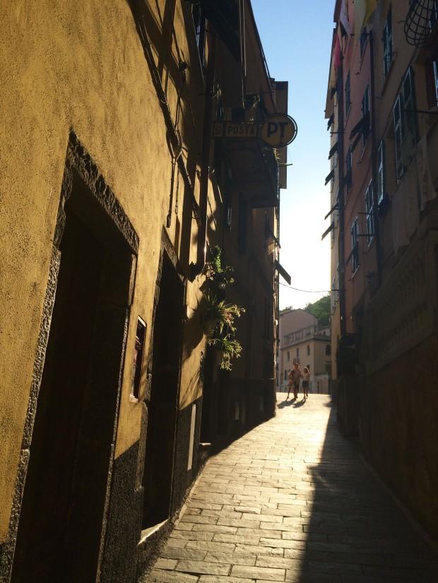Cinque Riomaggiore exploring