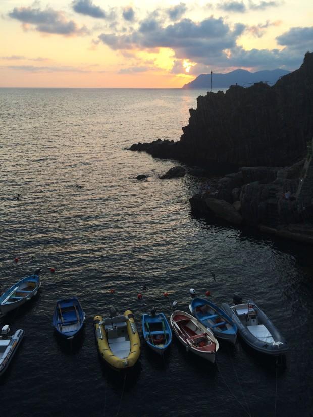 Cinque Riomaggiore sunset boats