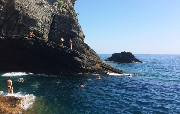 Cinque Vernazza rock cave